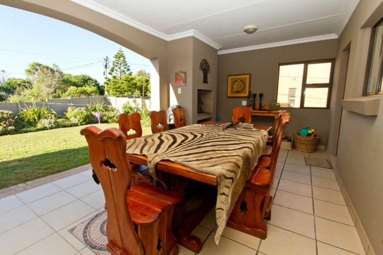 Braai area dining table (2)