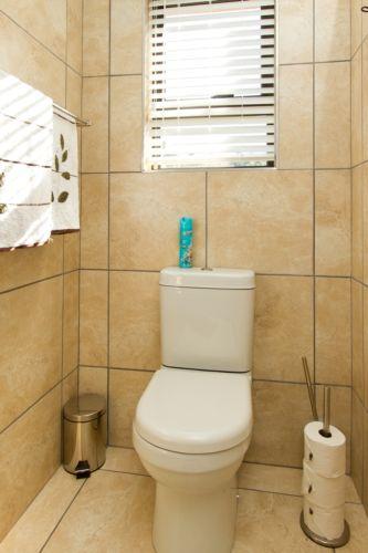 Turquois bathroom view
